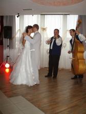 ... prvy manželsky tanček ...