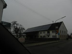 všede fotovoltaické panely