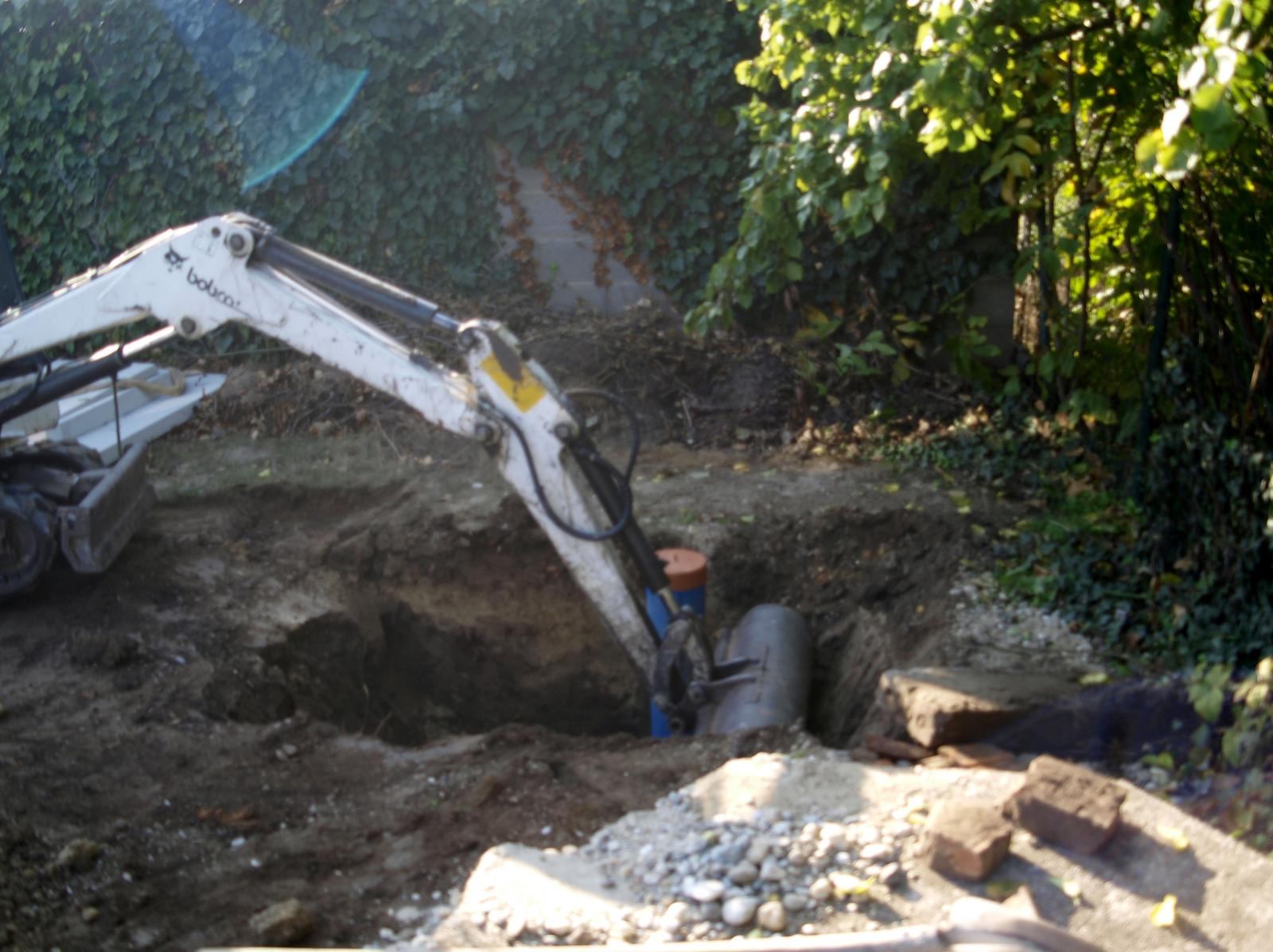 Senec šírka 8,5m - šachta v studni