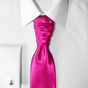 """""""prisnil sa mi sen,"""" - kravata na košeli"""