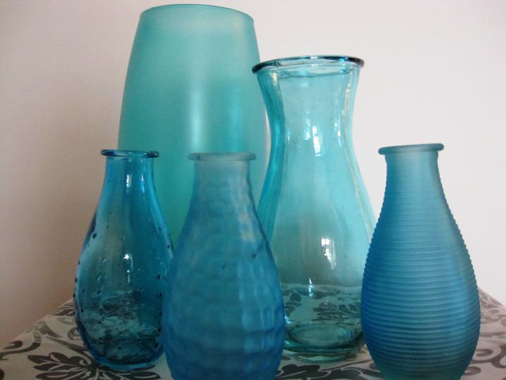 Tyrkysové letní mámení - set váz k zapůjčení 650Kč - 1x velká, 5x střední a 24x malá