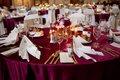 Burgundy saténový ubrus - prodej,