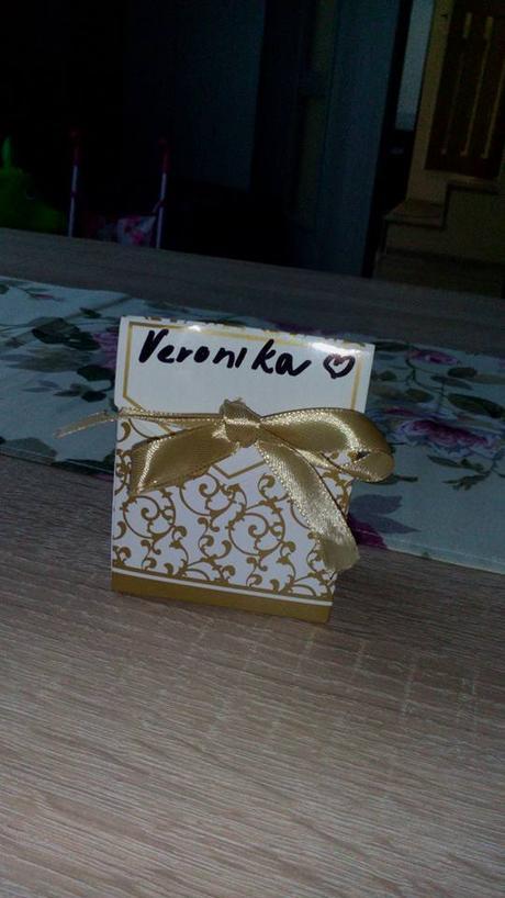 Krabička na darčeky pre hostí s menovkou  - Obrázok č. 2