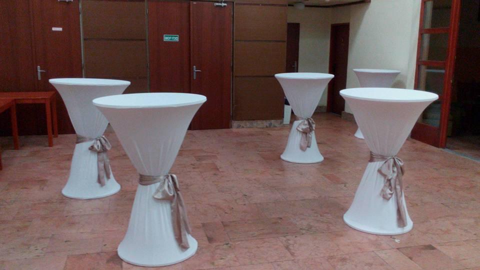 Prenájom stand by stoly s obrusmi  - Obrázok č. 1
