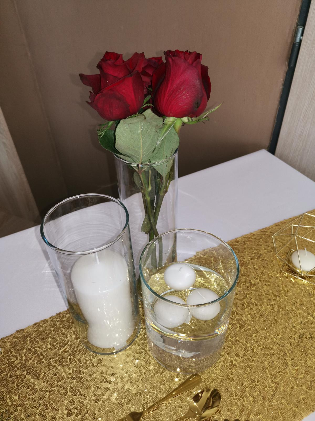 Svietniky a váza  - Obrázok č. 1