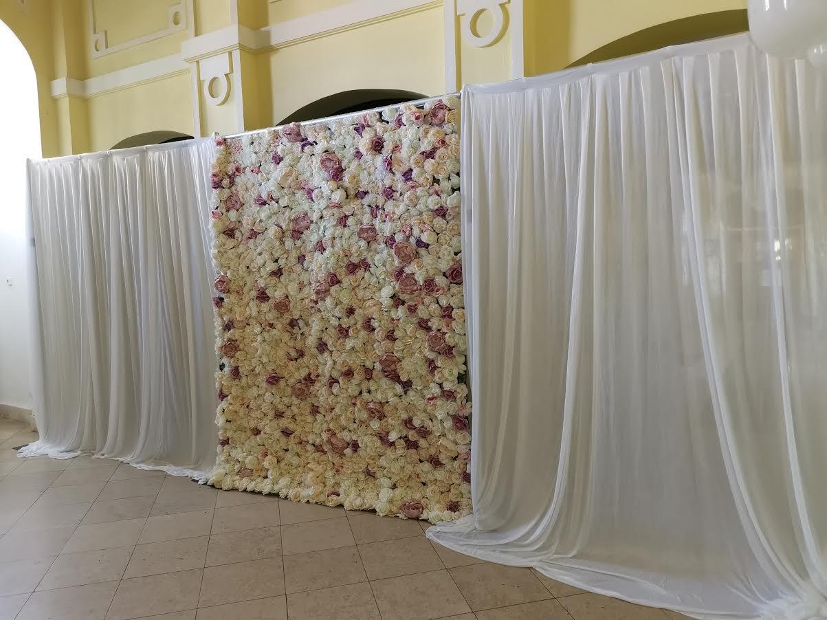 Kvetinová stena a svetelná stena  - Obrázok č. 1