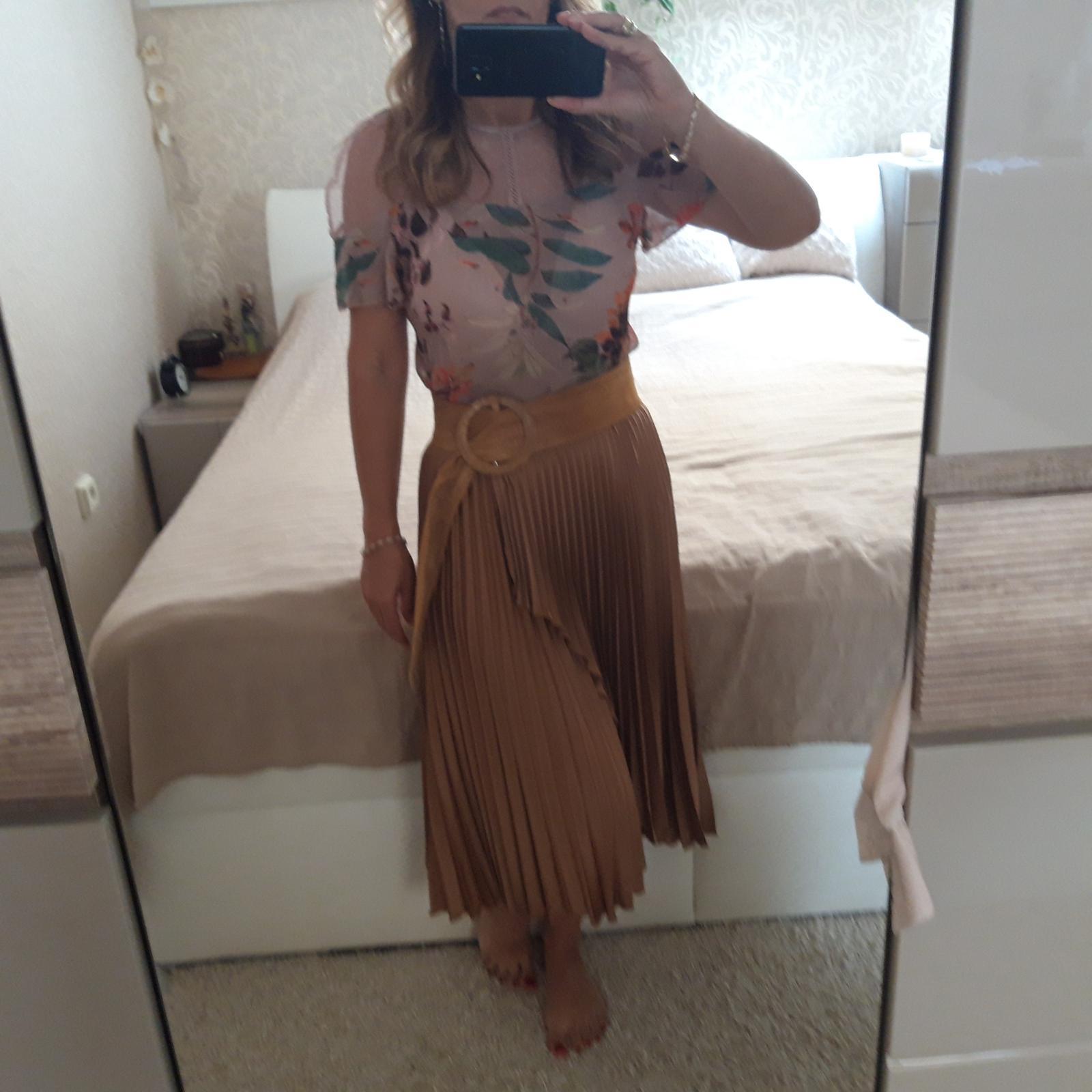 Skladaná sukňa - Obrázok č. 1