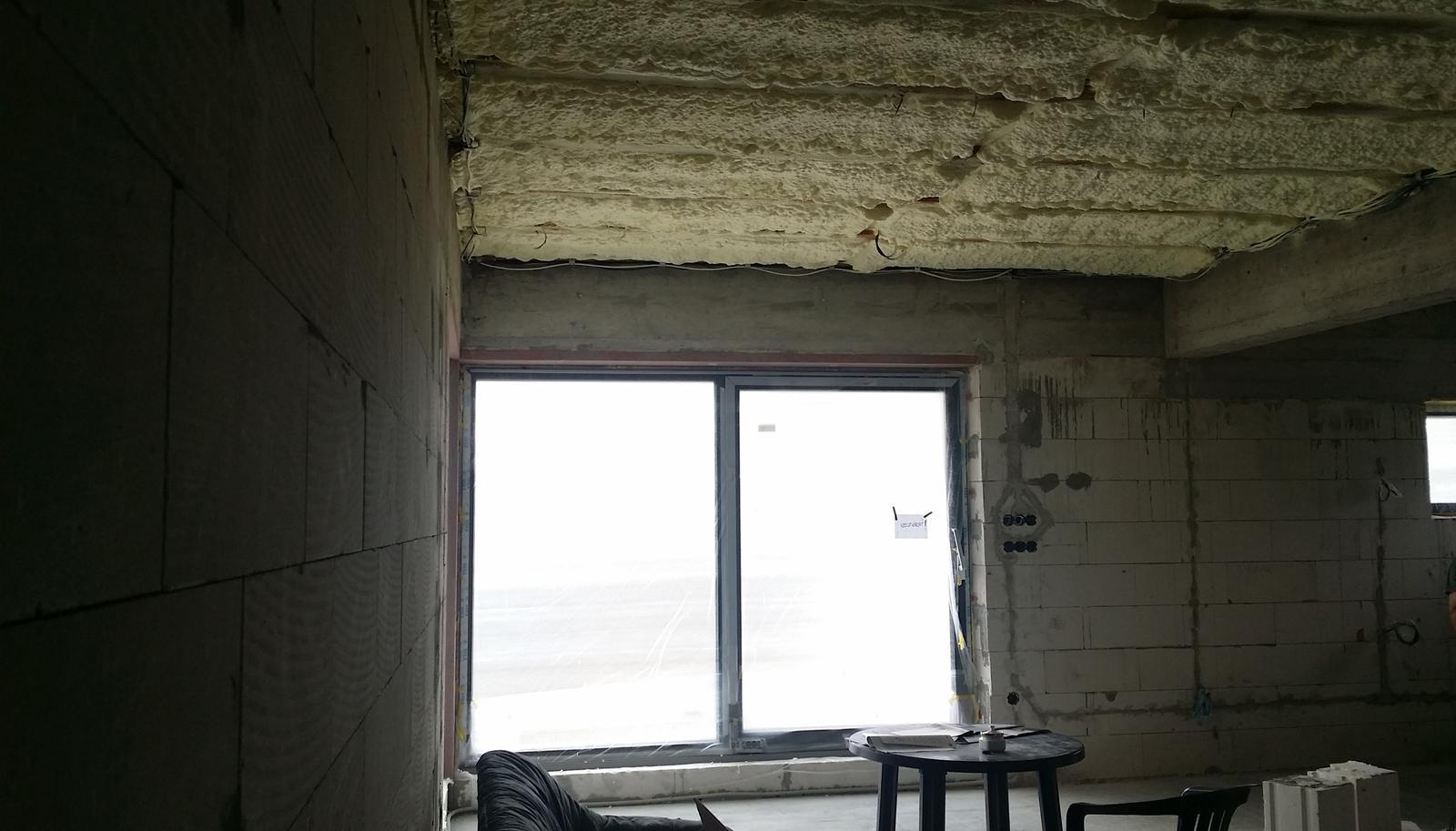 Inšpirovaný MUZOu - Oblačno, miestami pena - obývačka