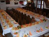 oranžovo-zlato-bílá...