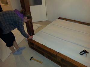 taktiez na vrch, aby sme ochranili matrac