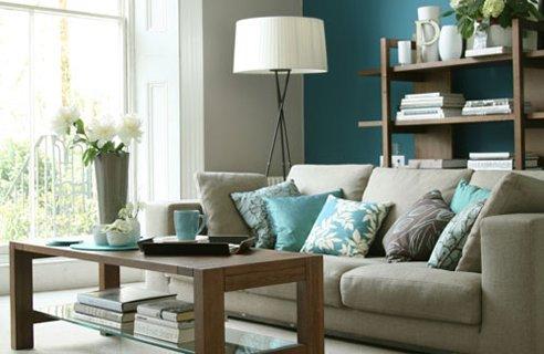 Tyrkysová ložnice - inspirace - Moc se mi líbí šedohnědá chladná barva, k tomu jednoduchá bílá a bledá tyrkysová, super!