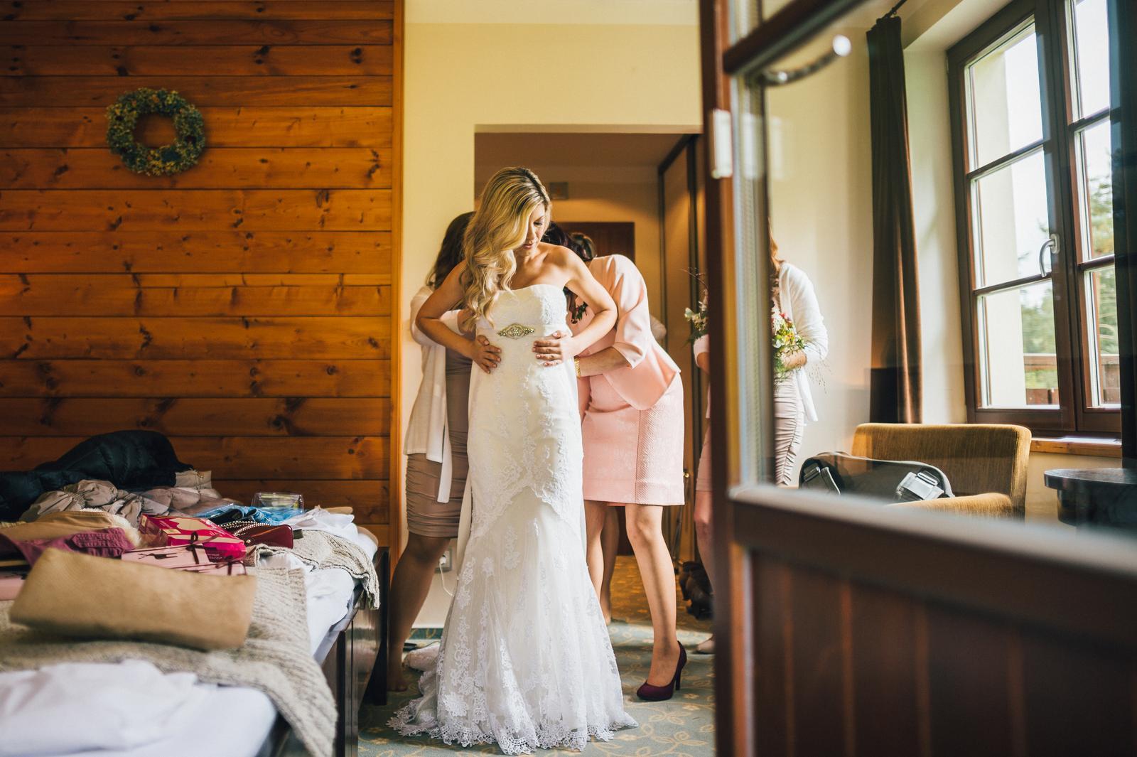 Ivona{{_AND_}}Pavel - příprava nevěsty v plném proudu