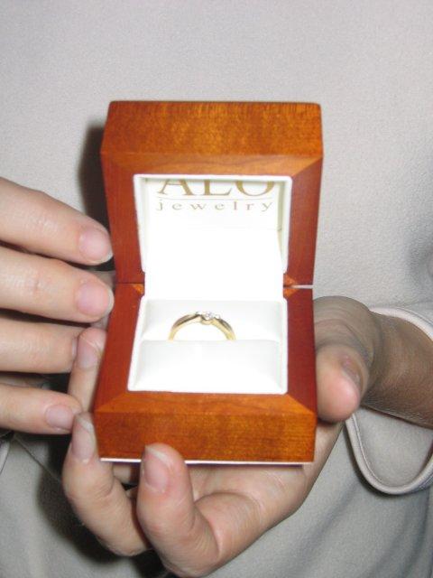 ... zásnubný prsteň