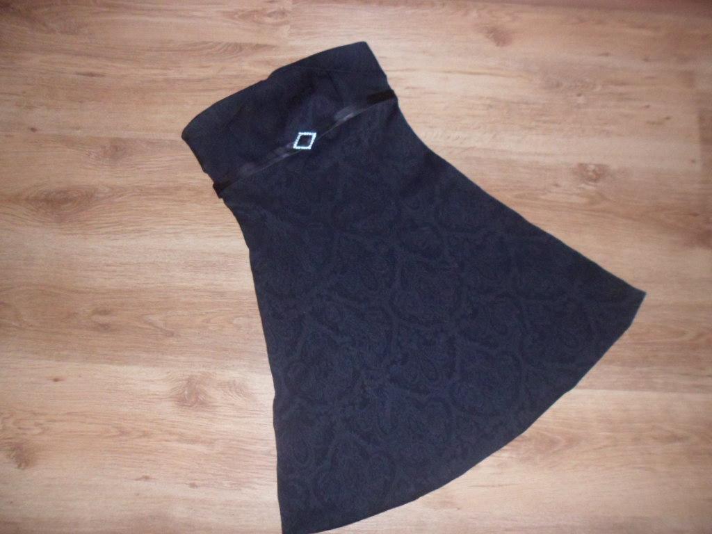 Kozetové čierne šaty - Obrázok č. 1