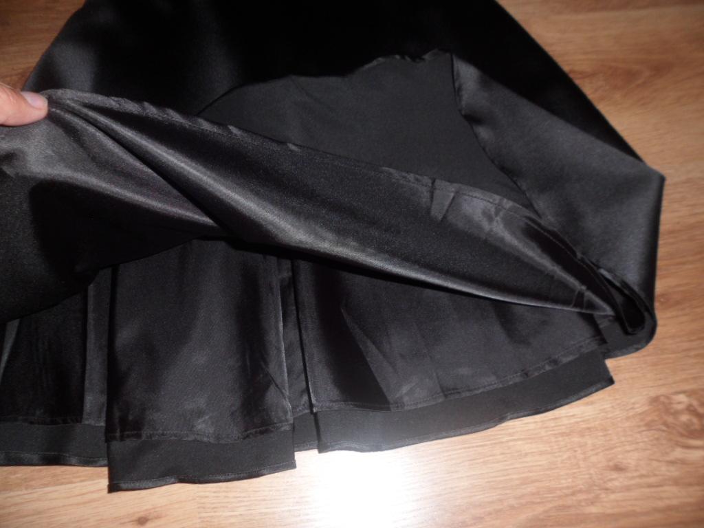 Dámske čierne šaty - Obrázok č. 2