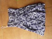 modrobílé dámské šaty, 38