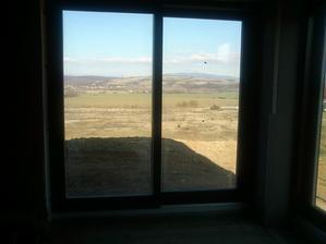 konečne okná namontované...