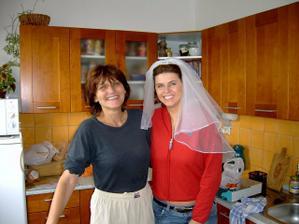 poloviční nevěsta s maminkou