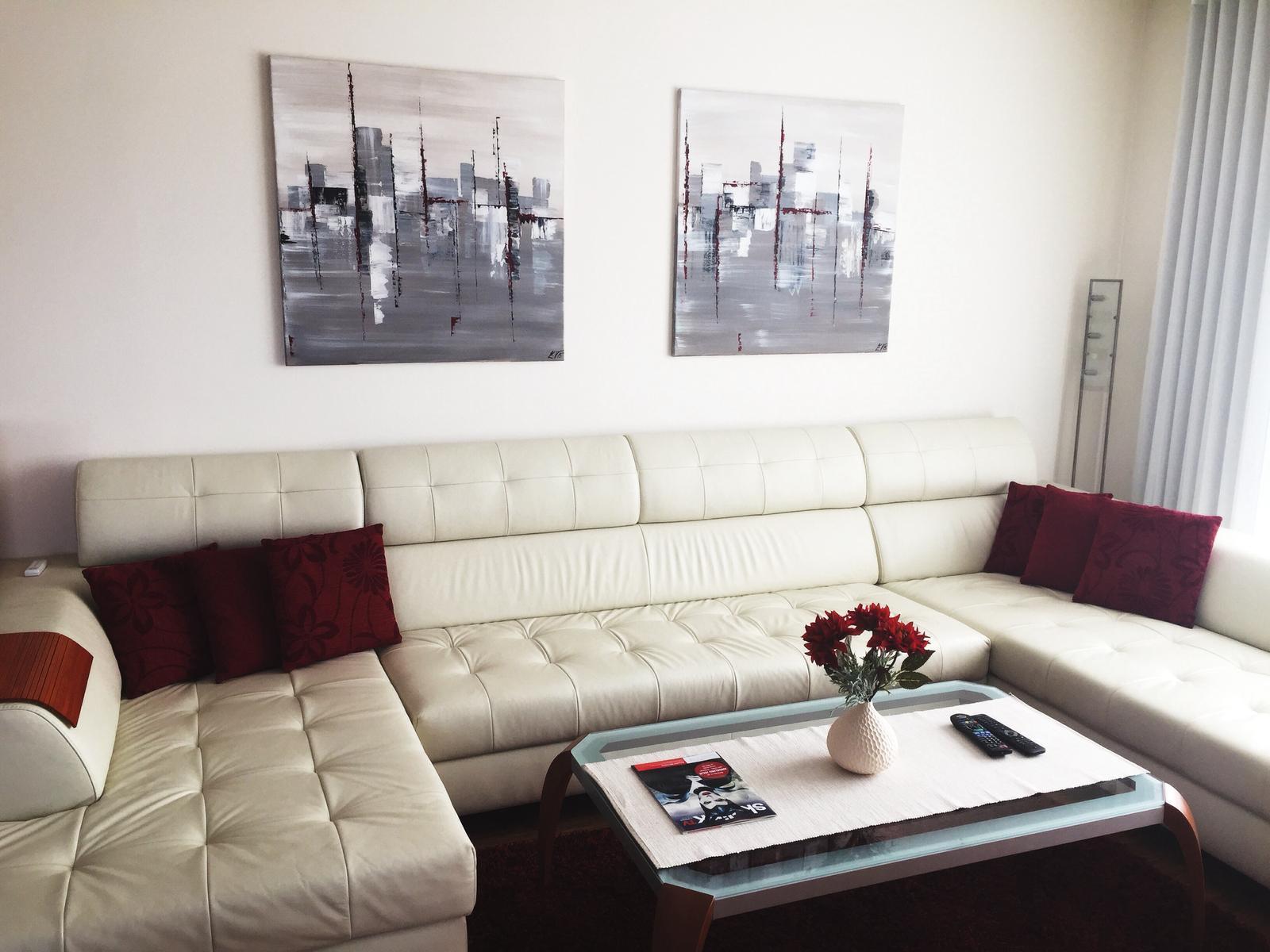 Mé obrazy v interiérech - Obrázek č. 37