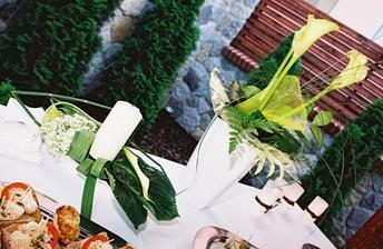 dekoracia stolov vonku