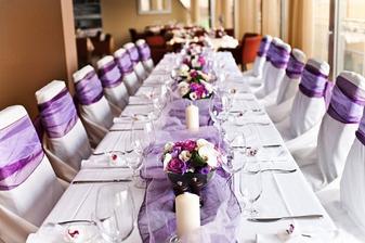 Takto nějak bych si představovala svatební tabuli :-)
