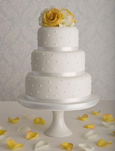 Přípravy na svatbu - Takto bude vypadat náš svatební dort, akorát růže budou fialové