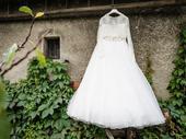 Svatební šaty s bolerkem, 38