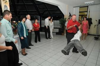 ..tanecnici...