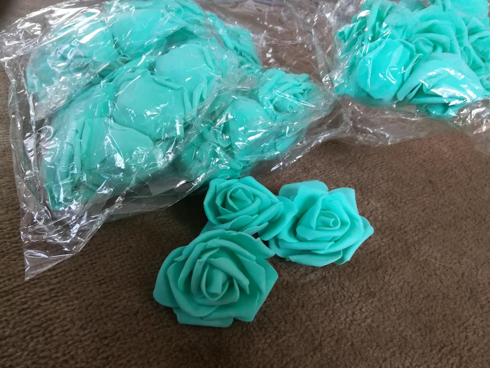 Penovy kvet ruze -  tyrkysova 16 Ks - Obrázek č. 1