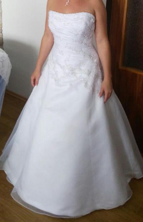 krasne korzetove  biele svadobne saty - Obrázok č. 1