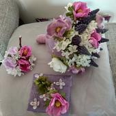 Kytice z umělých květin ,