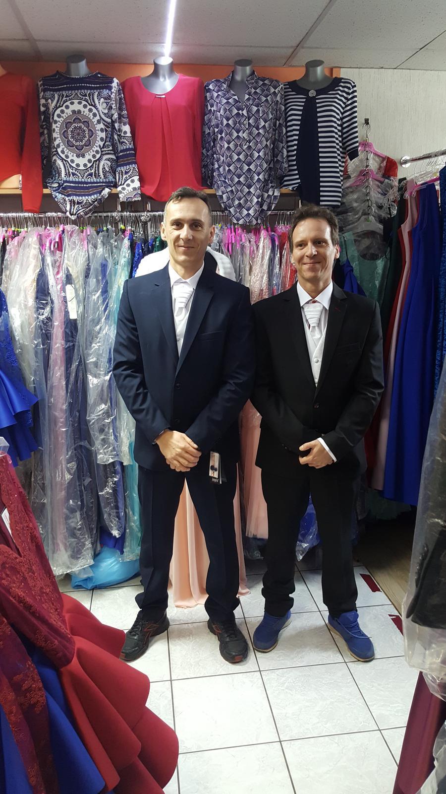 06dbf947de4c Modrý oblek pre ženícha Žilina a okolie - - Obleč...