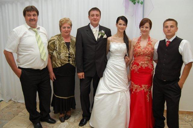 Zuzana{{_AND_}}Miloš - manželovi rodičia a švagrina s manželom