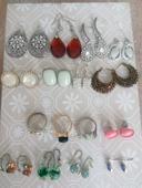 Náušnice a prsteny - bižuterie,
