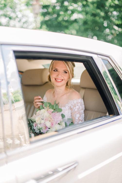 Baby tak už som Pani🥰 svadba bola DOKONALÁ.  Pridávam pár fotiek😋 Už sa teším kedy Vám ukážem všetky❤️🥰 - Obrázok č. 1