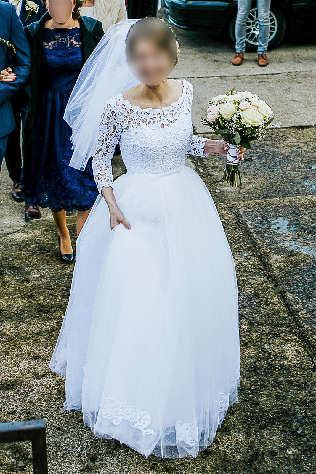 Prekrásne svadobné šaty - Obrázok č. 1