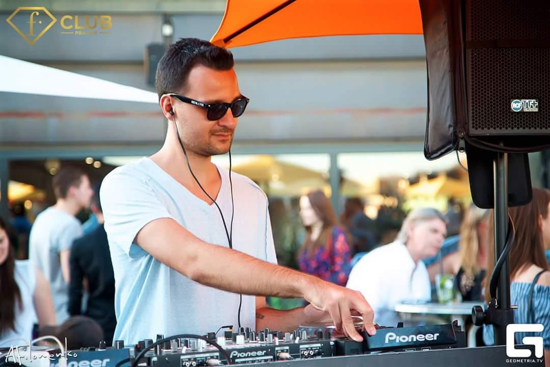 ozzby - DJ pro Fashion TV