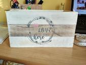 Dřevěná krabička s nápisem + stojánky na ubrousky,