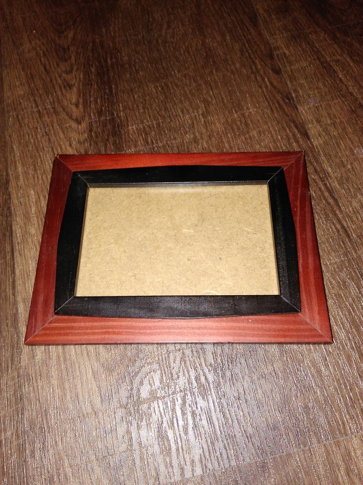 Dřevěný rámeček na fotografii (9x13) - Obrázek č. 1