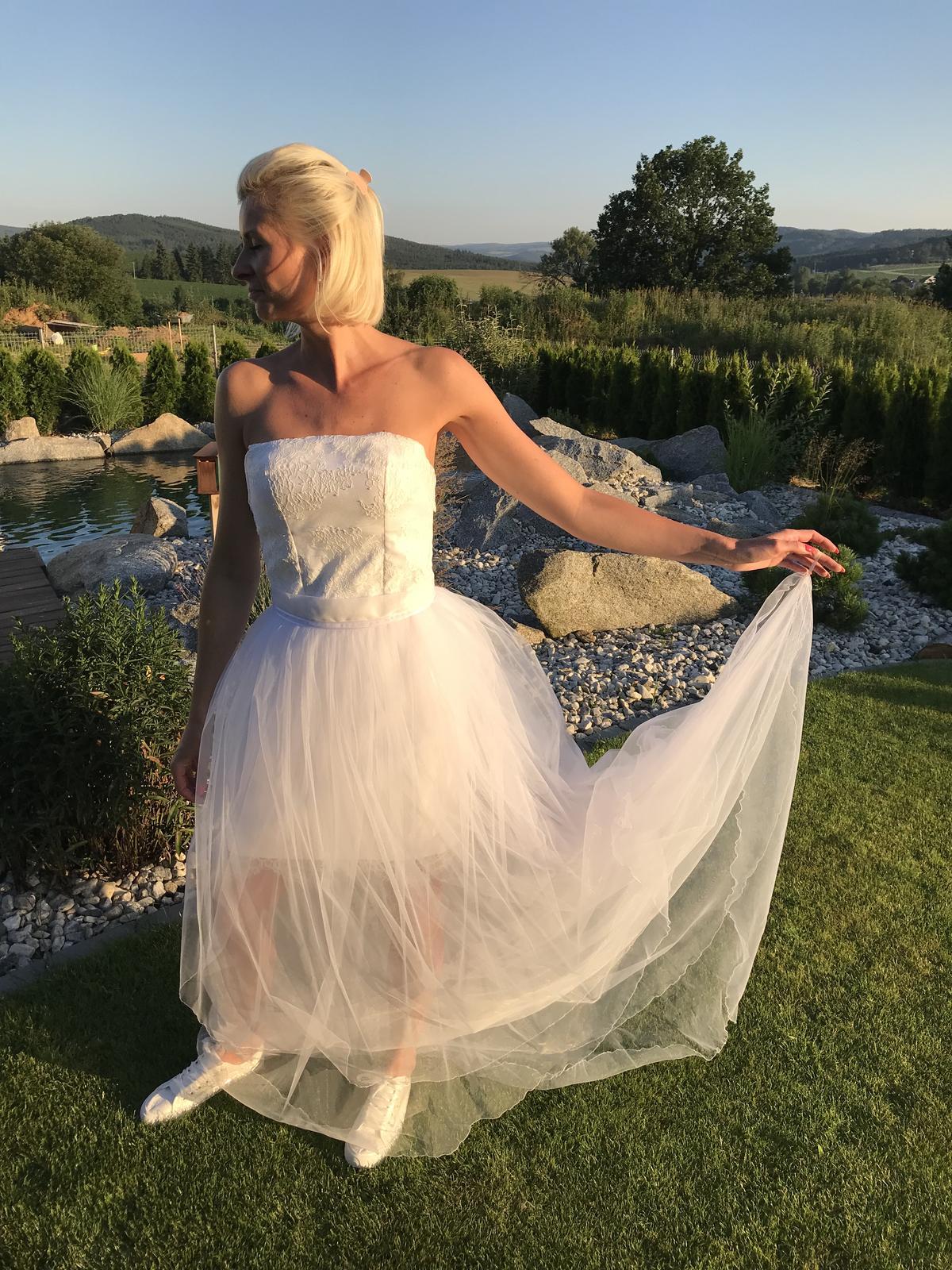 Dvoudílné svatební šaty s odepínací sukní - Obrázek č. 1