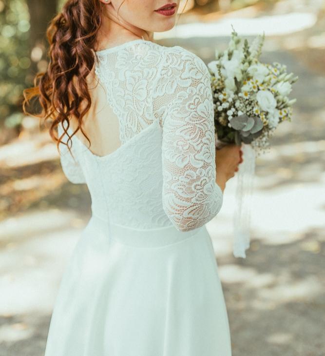 Jednoduché elegantné svadobné šaty - Obrázok č. 1