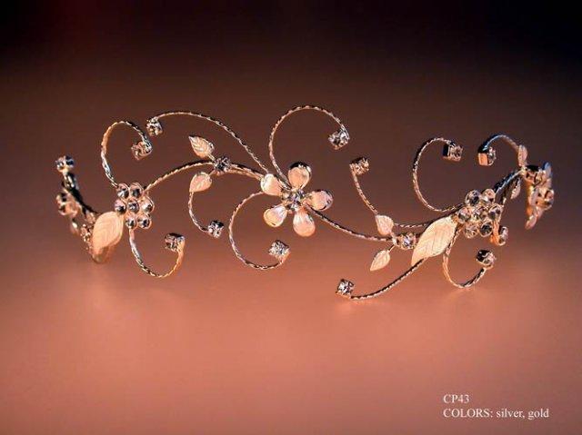 Moje krockiky k vysnivanej svadbe - takuto celenku chcem mat vo vlasoch...podla mna je uzasna..a vobec nie je draha..