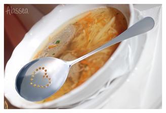 ..čím jíst polévku už také máme :)