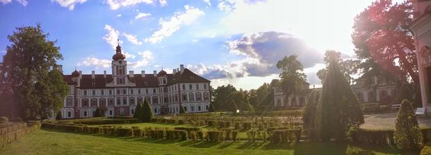 ...v zámecké zahradě v Mnichově Hradišti...