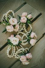 ..květinový náramek pro mou svědkyni..