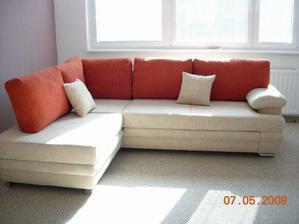 sice paní spletla barvy na objednávce :-( (sedačka měla být červená, polštáře krémové) ale i tak je pěkná...
