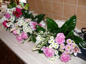 kytky pro maminky a svědkyni