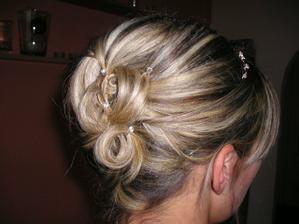 podle me budu mit delku vlasu v rijnu tak mozna na neco takoveho