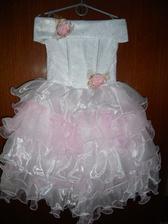 šatičky pre moje dve malé družičky,pre krstňatko a pre neterku.šatky su pre dvoj a troj ročne dievčatká