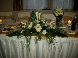 kvety na hlavný stôl